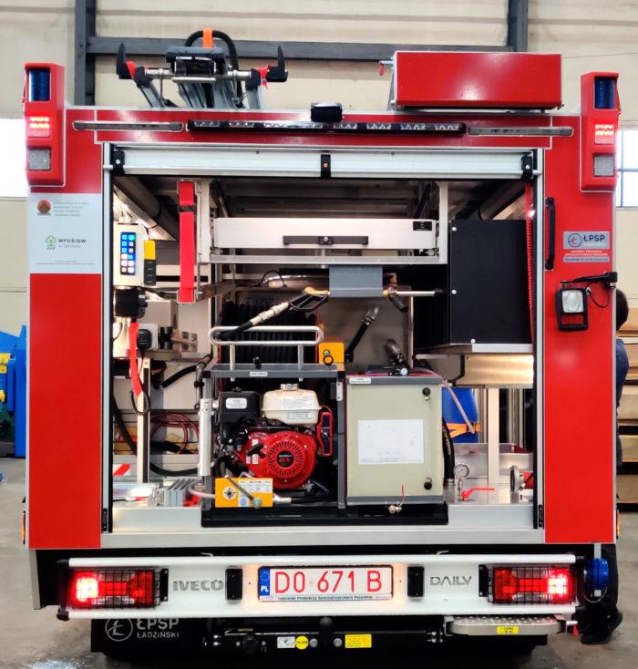 lekki wóz strażacki